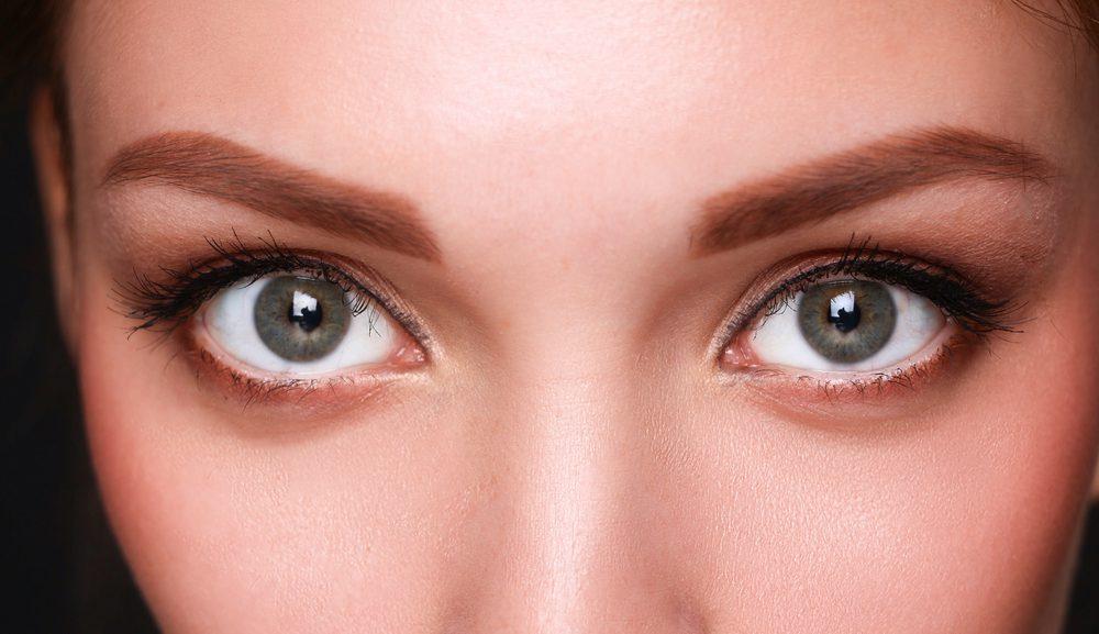 下眼瞼脱脂法(クマ取り整形)の効果と失敗・修正を徹底調査!