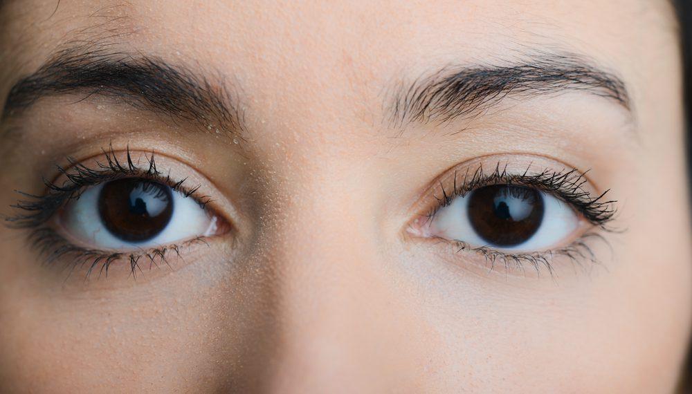 眉下切開法(上眼瞼リフト)の効果と失敗・修正を徹底調査!