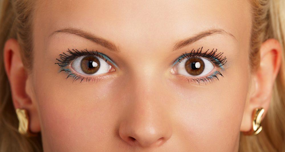 トラコンハムラ法(経結膜的眼窩脂肪移動術)の効果と失敗・修正を徹底調査!