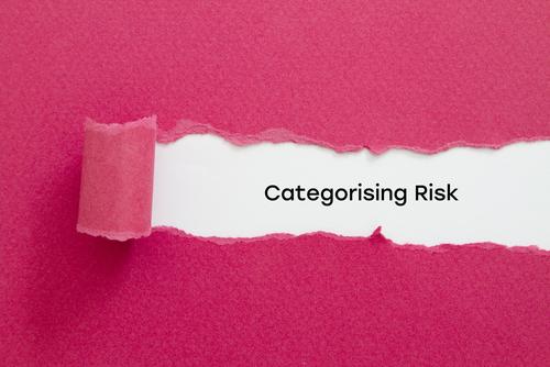 逆Z法(目頭切開修正)のリスク