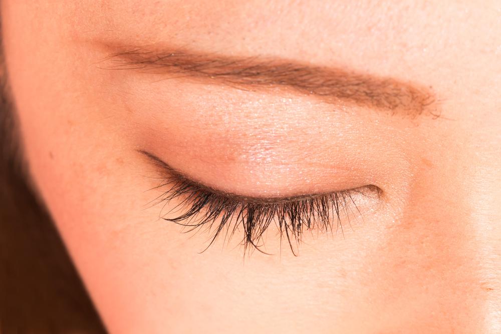 眉下切開法(上眼瞼リフト)のメリット2つまとめ