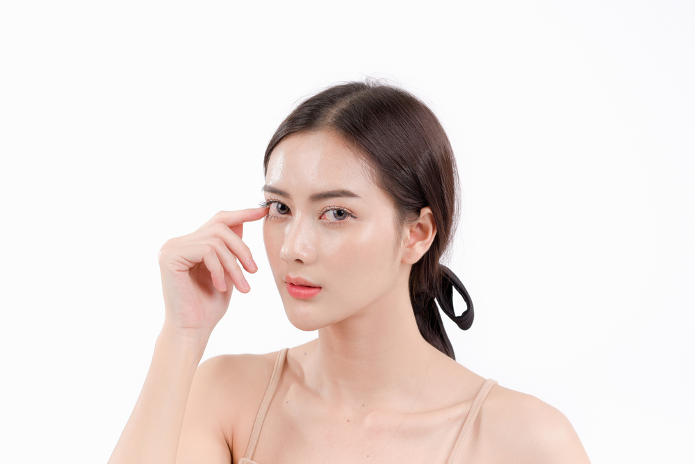 小切開を受けるメリットと一重瞼を綺麗に解消するコツ