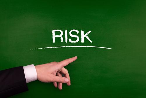 つり目形成のリスク